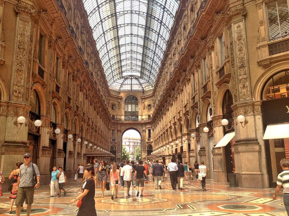 milan-galleria-vittorio-emanuele-II-shops